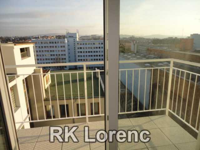 Pronájem novostavby s balkónem 1+kk na ul.Lidická - Centrum